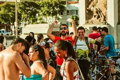 _MG_0188 (upslon) Tags: minasgerais sol brasil pessoas alegria belohorizonte festa banho maracatu confraternizao calor polcia ocupao praadaestao priadaestao tilele