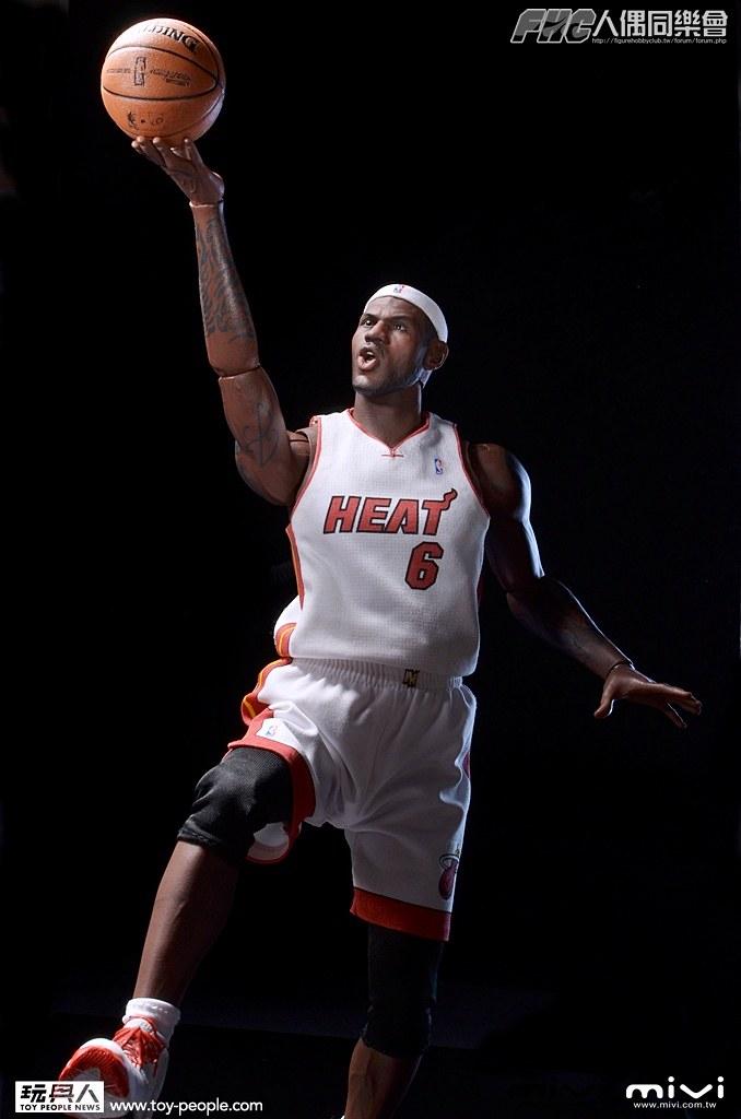 【360 度模式】ENTERBAY – 1/6 REAL MASTERPIECE NBA:LEBRON JAMES 開箱報告
