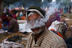 Holy Smoke - Sonepur, India (Maciej Dakowicz) Tags: india smoke fair smoking event marijuana chillum charas mela bihar sonepur sonpur sonepurmela sonpurmela
