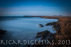 El mar i la Terra (xammart) Tags: longexposure beach fuerteventura playa le platja largaexposicin tindaya llargaexposici