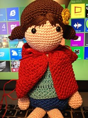 (anna.gallitelli.7) Tags: red sweet crochet riding christmass hood hook natale bambola bellissimo dolcissimo uncinetto bambolotto amiguumi