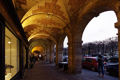 Place des Vosges (jacgou) Tags: paris place arcades photodenuit 50d 1018canon france