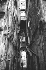Claustrofobia (-Makar79-) Tags: 6d canonef24mmf14liiusm streetphotography blackandwhite people