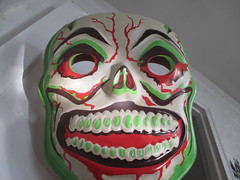 Green Grinning Skull Mask 7939 (Brechtbug) Tags: green grinning skull mask halloween semi vintage ben cooper collegeville halco ghoulsville retro newspaper sunday funnies comics holiday costume comic strip book comicbook spy movie film cinema americana america freedom justice super hero spooky jumbo size sized giant retroagogo vactastic 2016 nyc