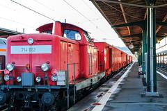 Men's toys (KPPG) Tags: zug train bahnhof trainstation kassel rot red eisenbahn fahrzeug germany deutschland samsungnx nx3000