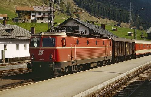 ÖBB electric loco 1044.26 St.Anton am Arlberg