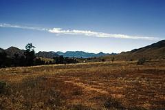 Australian Landscape with the Flinders Ranges in the back. (Stefan Fisher) Tags: australia scanned outdoor outback downunder minoltaxd7 kodakektachrome 35mm southaustralia flindersranges abandoned