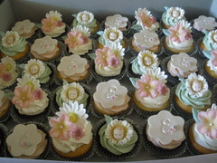 Baby shower cupcakes (Cassies Cakes) Tags: baby shower cupcakes