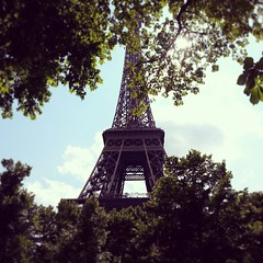#Paris  tu me manques... #France #Frana (Bibi) Tags: trees paris france tower valencia torre tour frana eiffel arbres toureiffel rvores iphoneography instagramapp