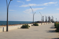 Goubert Avenue Pavement, at Pondicherry (ilovethirdplanet) Tags: india pavement pondicherry seaface ind puducherry