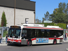 Toronto Transit Commission 1723 (YT | transport photography) Tags: toronto bus ttc orion ng hybrid vii hev