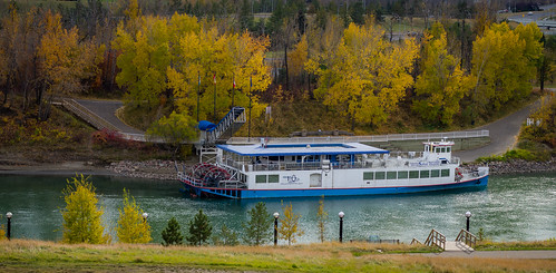 park autumn trees canada green fall water colors river landscape boat colours edmonton pentax f14 north vessel calm queen louise alberta valley da riverboat riverfront saskatchewan 55 k5 mckinney smcpda55mmf14sdm