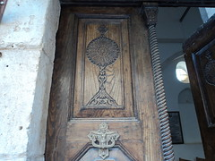 """Eine große Monstranz, eingearbeitet in der Tür • <a style=""""font-size:0.8em;"""" href=""""http://www.flickr.com/photos/65713616@N03/11046645016/"""" target=""""_blank"""">View on Flickr</a>"""
