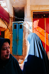 Women walking on the streets of Meknes medina. Morocco, Imperial city, World heritage (achel cabonell) Tags: africa street old city travel people urban building walking town alley hijab streetphotography viajes morocco alleyway maroc medina niqab marruecos moroccan worldheritage meknes travelphotography imperialcity traditionalclothing djellaba documentaryphotography buildingexterior fotografiadocumental moroccanculture fotografiadeviajes rachelcarbonell