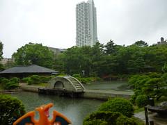 Charizard in Hiroshima, Hiroshima 16 (Shukkei-en Garden) (Kasadera) Tags: toys hiroshima figure pokemon pokmon  charizard   glurak  shukkeiengarden pokemonkids   dracaufeu