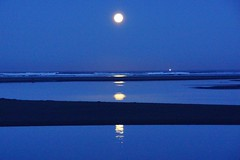 A65V 027 {2)Full Moon Setting (Allen Woosley) Tags: moon oregon seaside setting a65v
