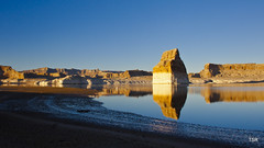 Lone Rock in Lake Powell (doveoggi) Tags: reflection beach utah shore monolith lakepowell 2298