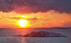 Snow at Sunset (photo fiddler) Tags: ocean sunset snow canada cold islands atlantic february shadbay 2014