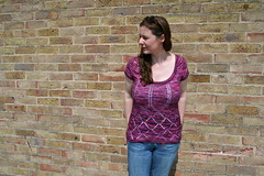 Clara (pointypointysticks) Tags: clara pink summer sweater purple lace ashley diamond topdown keyhole seamless smooshy fey 2014 shirtsleeve dreamincolour ashleyfay intswemodo2014
