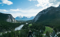 Fairmont Banff Springs (SFAntti) Tags: park blue trees sky mountain canada mountains green nature water clouds golf hotel nationalpark view course national alberta springs banff fairmont rivew