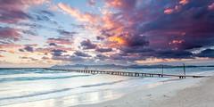 Adamo Prieto Rodriguez (www.adamoprieto.es) Tags: amanecer arena horizontal mallorca muro pantalan pasarela playa playademuro