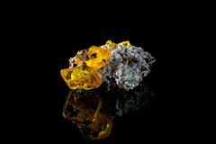 Wulfenite (Mr Giuseppe) Tags: mineral minerales geologia mineralogia rocas rocks crystals geology mineralogy