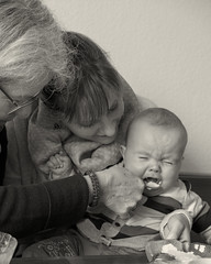 Well, boy, what you ought to know is... (wwwuppertal) Tags: aaron baby kleinkind sixmonthsold sechsmonatealt tante aunt grandma grandmother grosmutter oma griesbrei semolinapudding ablehnung zurckweisung rejection feeding ftterung essen food eating familie family verwandtschaft relatedness relationship sw schwarzweis bw blackandwhite blancetnoir noiretblanc monochrome monochrom fujifilmxpro1 fujinonxf35mmf2rwr fujifilmxsystem schatz cutie dear beloved