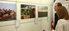 Bei der Ausstellungseröffnung während der 13. Tutzinger Kulturnacht (apbtutzing) Tags: flucht migration flüchtlinge afrika nordafrika libyen europa mittelmeer krieg krise foto ausstellung tutzing akademie kultur