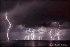 Tormenta entre Ibiza y Mallorca 24/09/2016 (Frabairod) Tags: tamron 7dii canon weather meteo tiempo majorca mallorca thunderbolt relmpago rayo storm tormenta