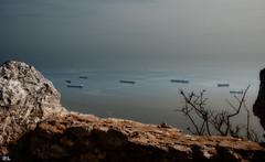 The Rock-Gibraltar (roland_lehnhardt) Tags: d80 kreuzfahrt nikon gibraltar rock felsen affenfelsen mittelmeer srase von gaditanum fretum ceuta sulen des herakles spain spanien europe iberische halbinsel kronkolonie exklave schiffe frachter seascape panorama meeresblick