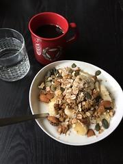 Frukost 16/10 (Atomeyes) Tags: mat kaffe vatten kvarg msli granola ntter vanilj