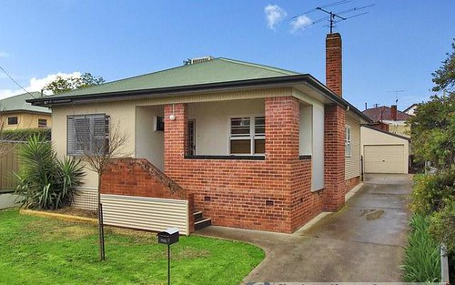 2 Dowell Avenue, Tamworth NSW 2340