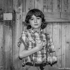 Fragile. (musette thierry) Tags: gabrielle musette tnierry belgique portrait scnes garcon boy enfant kid