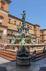 Fontana del Nettuno, Bologna (nikolaylozanov8006) Tags: architecture building statue foutain bologna italia emiliaromagna nettuno people