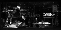 Rear window (Marián Company (The Fresh Feeling Project*)) Tags: valencia café ventana mirón mirar soledad solitude retrato portrait alone man pair blackandwhite blancoynegro noiretblanc street streetphoto streetphotography streetphotographer city moments coffee