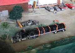 Drill pipe 12/7//2016 (THE RANGE PRODUCTIONS) Tags: hoscalefigures hoscale 164scale 187 18wheeler 187scale johnnylightning norscot dioramas diecastdioramas diecast dodge matchbox greenlight peterbilt
