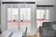 "Salón con dos paneles japoneses. Dibujos bordados y lisos • <a style=""font-size:0.8em;"" href=""http://www.flickr.com/photos/67662386@N08/9194689942/"" target=""_blank"">View on Flickr</a>"