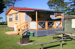 "Lorikeet Cottage rear deck • <a style=""font-size:0.8em;"" href=""http://www.flickr.com/photos/54702353@N07/9275002610/"" target=""_blank"">View on Flickr</a>"