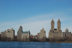 The Eldorado, seen across Jacqueline Kennedy Onassis Reservoir in Central Park (koborin) Tags: nyc newyorkcity travel ny newyork centralpark manhattan uptown upperwestside centralparkwest uppermanhattan jacquelinekennedyonassisreservoir theeldorado