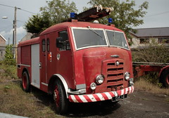 Karrier Fire Engine (mickyman13) Tags: wales canon eos automobile transport vehicles fireengine karrier publicservicevehicles 400d publicservicevehicle alltypesoftransport karrierfireengine