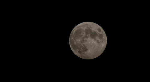 The moon tonight 30% of the way to its full partial eclipse....I don't see any difference....