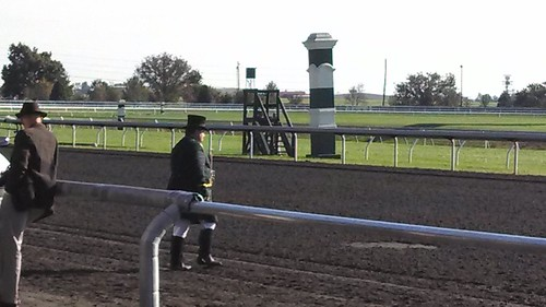 keeneland_bugle_close