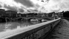 Bridge to Vatican City (B.B. Wijdieks) Tags: city bw italy white pope black vatican rome roma monochrome gold warm italia pentax swiss faith guard vaticano da 28 bb rom paus 2010 zw k20d 1650mm wijdieks