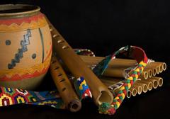 Quenas y Sikus (Explore) (Ovetum Fotografía) Tags: colores bodegón andes música cerámica zampoña quena sikus quenas