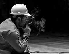 ins4 (alper araz) Tags: white man black building adam work turkey 50mm worker f18 beyaz ankara portre workman alper sigara araz usta siyah erkek baret inşaat constructional işçi şantiye canon1000d