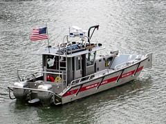 2014-012241 (bubbahop) Tags: rescue usa oregon river portland fire willamette 2014 amtraktrip boat21