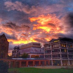 Sunset at Queens' College (Cambridge University) Tags: cambridge sunset building university queenscollege cripps