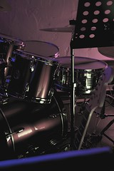 DrumGuit (cbr_case) Tags: music guitar fender instruments lowkey stratocaster drumkit bunt dunkel hihat snare sonor schlagzeug