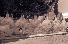 Streetwall4peopleMexico84SanMiguelDeAllende (Zzzzt!Zzzzt!) Tags: street streetphotography mexico sanmigueldeallende 1984 pedestrian