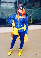 DSC_0628 (Randsom) Tags: nycc 2016 newyorkcomiccon nycomiccon javitscenter october nyc newyorkcity cosplay costume fun comicbooks comicconvention dccomics batmanfamily heroine superheroine batgirl mask zipper wig cute pretty vinyl pvc female